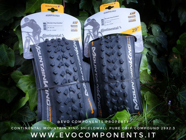 Immagine di Copertone Continental Mountain King 29x2.30 Pure Grip Compound ShieldWall System Tubeless Ready
